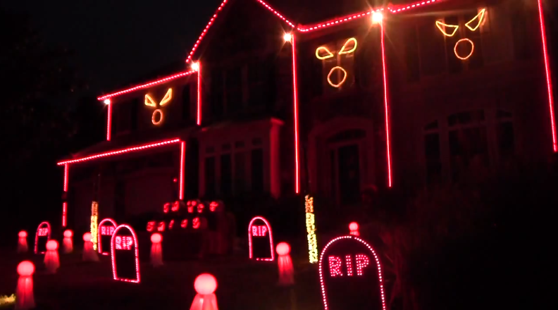 Halloween 2012 Light Show - This is Halloween by Marilyn Manson - YouTube